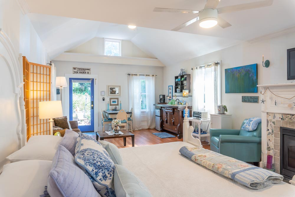 The Carriage House - Larger Suite
