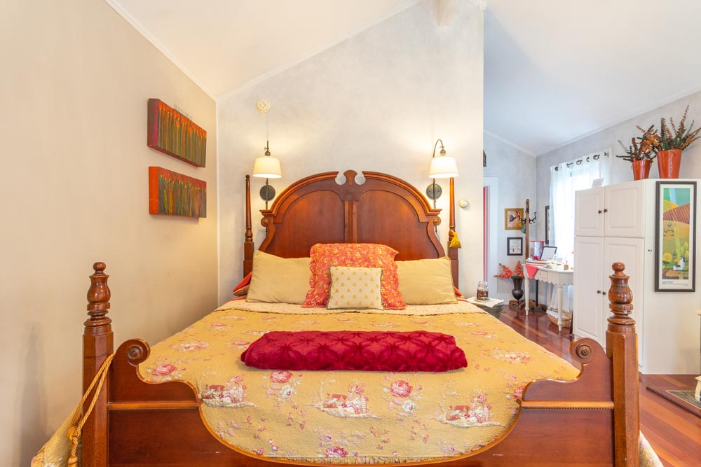 The Carriage House - Smaller Suite